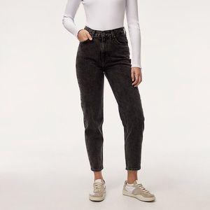Levi's mom jeans dark grey black wash Sz 28